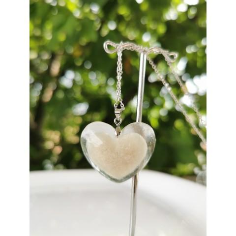 Медальон - сърце в сърцето