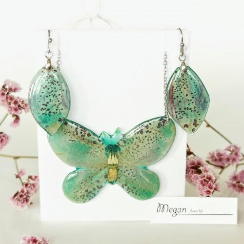 Пеперуда от синя Кампанула - витлеемска звезда