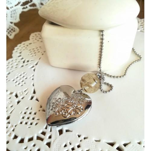 Медальон за снимка - малко сърце